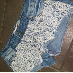 1st Kiss Jean shorts with lace